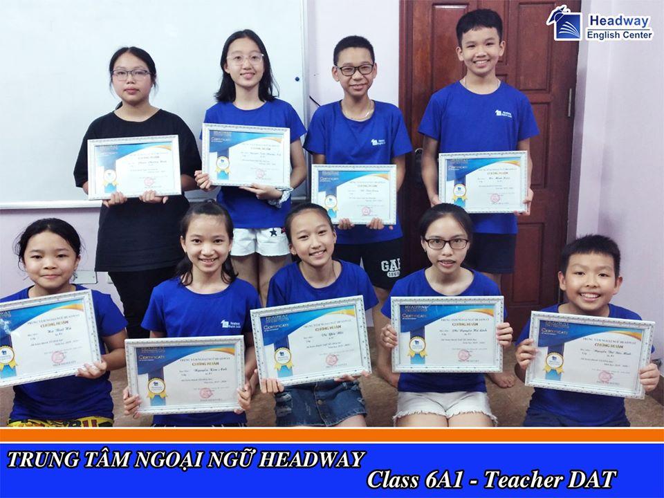 Học viên tại Headway English